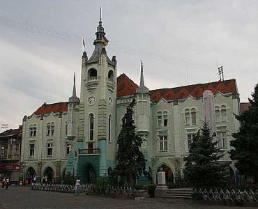 Мукачево - уже не второй, но пока и не первый город Закарпатья
