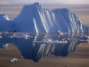 Айсберги отрываются от гренландских ледников тысячами