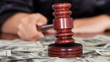 В Закарпатье начальница районной налоговой будет сидеть за взяточничество