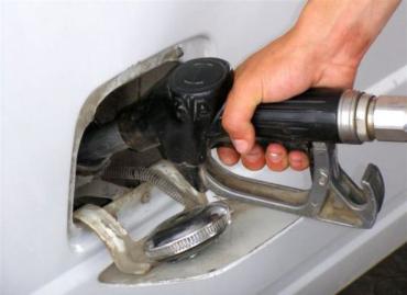 Розничные цены на бензин и дизельное топливо снизились в среднем на 65-80 копеек