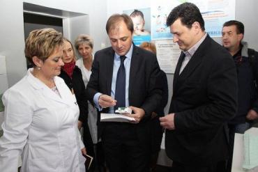 Квиташвили лично проверил готовность Закарпатья к иммунизации