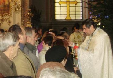 Провели святкову Службу Божу о. Іван Тидір та о. Павло Сабов