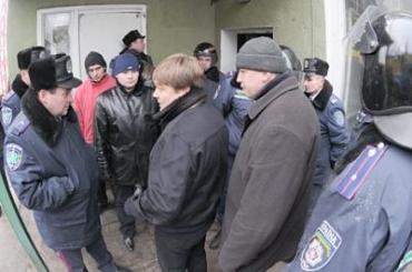 Закарпатскому бизнесмену инкриминируется подделка документов, печатей и штампов