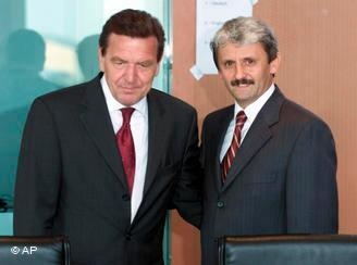 Микулаш Дзурінда (праворуч) із Ґергардом Шредером