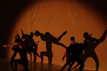 Всемирно известный Театр Теней Teulis получил признание во многих странах Европы