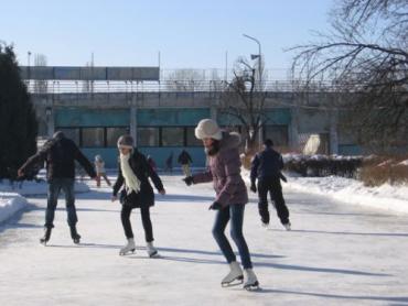 """Хотите покататься на коньках по приемлемой цене - посетите каток """"Авангард"""""""