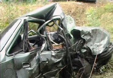 На Харьковщине лоб в лоб столкнулись Daewoo и Mercedes