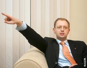 Арсений Яценюк на прошлой неделе оказался втянутым в скандал