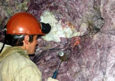 Родонітова печера у Рахівському районі Закарпатської області