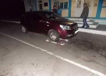 На КПП «Тиса» задержали «Форд» с несоответствием номера кузова