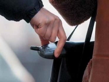 В Хустском районе воры запасаются мобилками