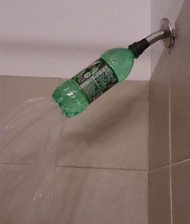 Пластиковая бутылка - рассеиватель для душа