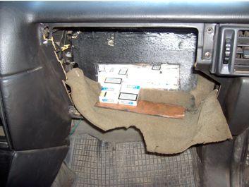 Пограничники изьяли у венгра контрабандные сигареты и машину