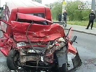 "В столкновении ""Фиата"" и микроавтобуса погиб водитель иномарки"