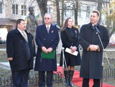 KMKSZ вместе со своим председателем Миклошем Ковачем
