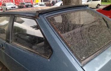 В Ужгороде и в Словакии машины покрылись песком из Африки