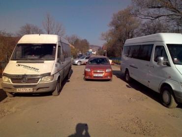 Жители села Кушница Иршавского района вспомнили, что у них нет дороги