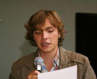 Андрей Любка читает стихи