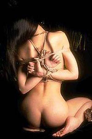 19-летнюю девушку продали в сексуальное рабство в Турцию.