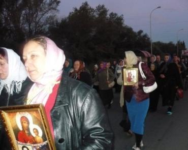 Православні вірники ходили довкола Ужгорода 31 кілометр.