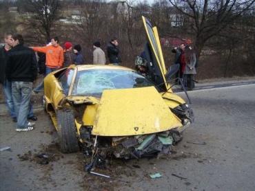 Lamborghini попала в ДТП на обьездной Ужгорода