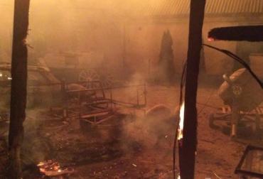 """У """"барона"""" спалили п'ять автівок та дві житлові споруди."""
