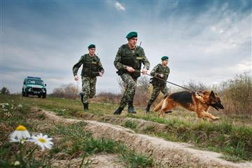 Затримана на Закарпатті трійця нелегалів прямувала в країни ЄС.