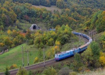 Закарпатська облрада стурбована критичною ситуацією на залізниці