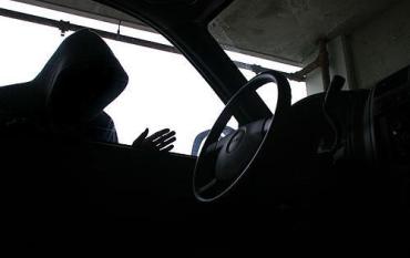 Рахівчанин з трьома судимостями за викрадення авто загримить на повну!