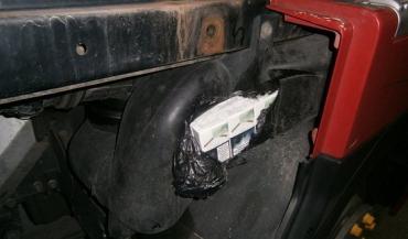Украхнець сховав у своєму тягачі 500 пачок сигарет.