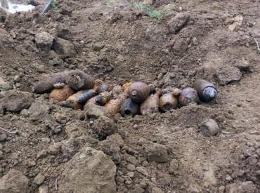 На Ужгородщині виявили велику кількість вибухонебезпечних предметів.