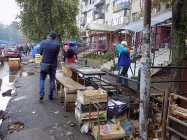 Новий етап боротьби зі стихійною торгівлею в Ужгороді.