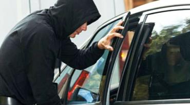 Ужгородець підозрюється поліцією в скоєнні більше десятка крадіжок з автомобілів