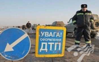 """Автобус """"Львов-Золочив"""" автаковали 4 авто"""