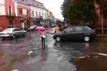 Від наїзду автівки постраждала 75-річна жінка-пішохід у Мукачеві