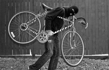 Поліцейські розшукали чоловіка, який викрав велосипед в ужгородця