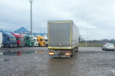 Потерпілий від наїзду вантажівки у терміналі в Соломоново помер у лікарні