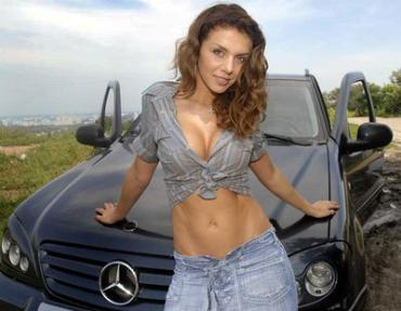 На первом месте оказалась певица Анна Седакова