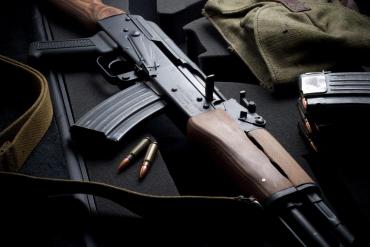 По словам бойца АТО, на оружие у него есть официальное разрешение