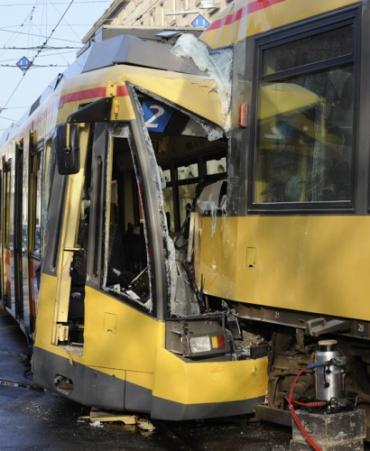 В Германии столкнулись 2 трамвая: 27 раненых