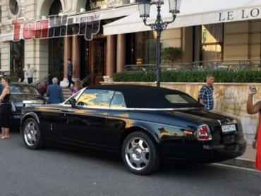 Роскошные автомобили с украинскими номерами в Монако