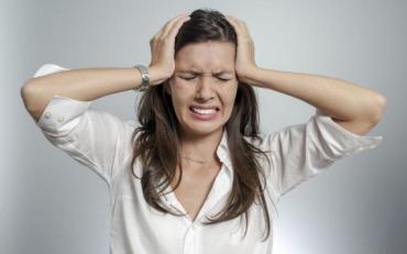 Названо основні причини ранкового головного болю