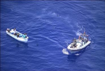 В Аденском заливе задержали моторную лодку с пиратами