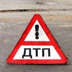 На автодороге Киев-Чоп водитель автомобиля ВАЗ-2107 совершил наезд на стоячий автобус MERCEDES-BENZ