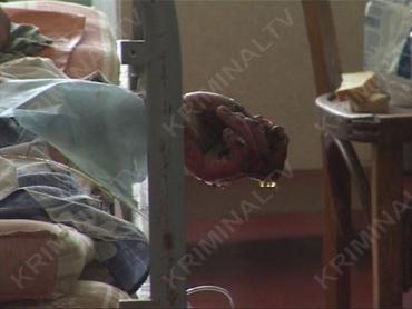 В Харькове муж - ревнивец облил жену и 4-х детей бензином