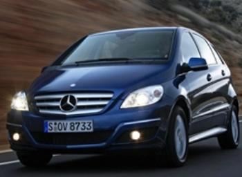 В Венгрии закрываются автосалоны