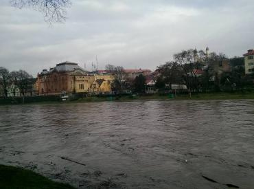 В Ужгороде ожидают подтопление детской железной дороги