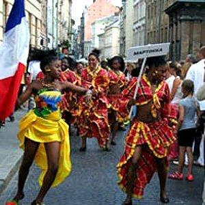 Марш-парад учасників «Етновиру» попередніх років