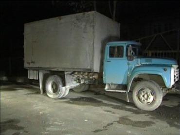 Под колесами грузовика погиб очередной пешеход
