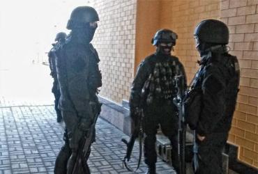 Спецназ штурмует базу батальона «Торнадо» в Боярке
